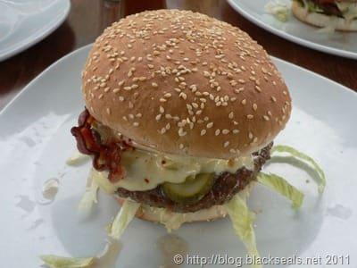 oilers69_burger