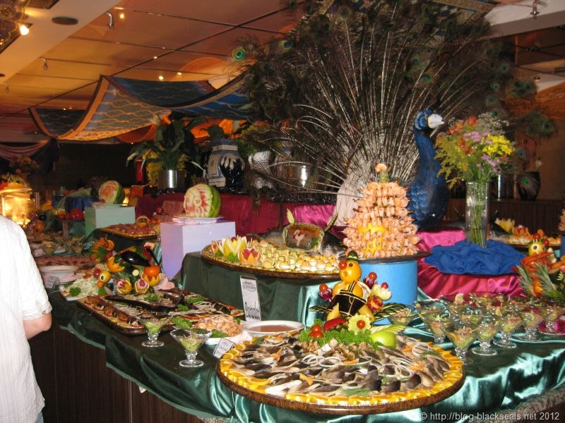 Read more about the article Tag 5: Buffet Magnifique und Abendshow