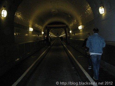 hamburg_elbtunnel_2