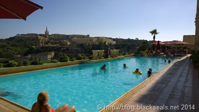 grand_hotel_gozo_schwimming_pool