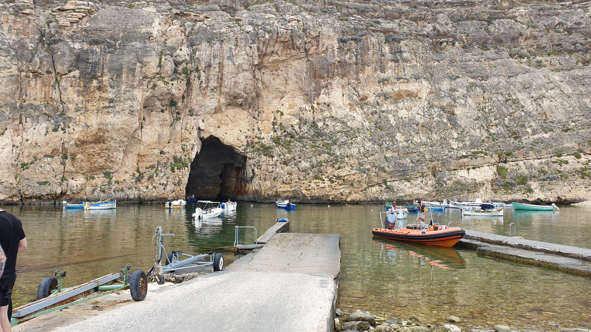 Read more about the article Tag 2: Azure Window Coral Cave und Inland Sea