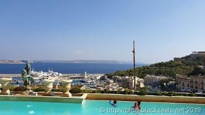 grand_hotel_gozo_balkon_pool