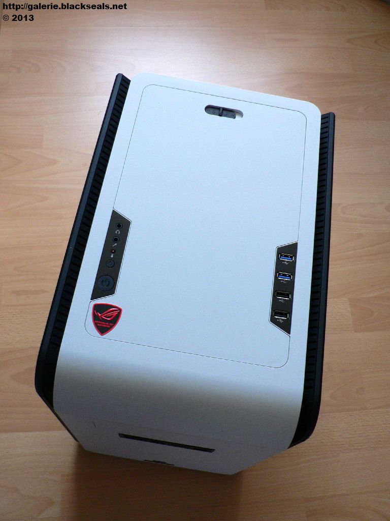 Read more about the article Aerocool DS Cube mit Intel Core i5 4570K