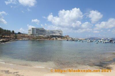 malta-2021-tag2-ausstieg-boot-blick-labranda-riviera-hotel
